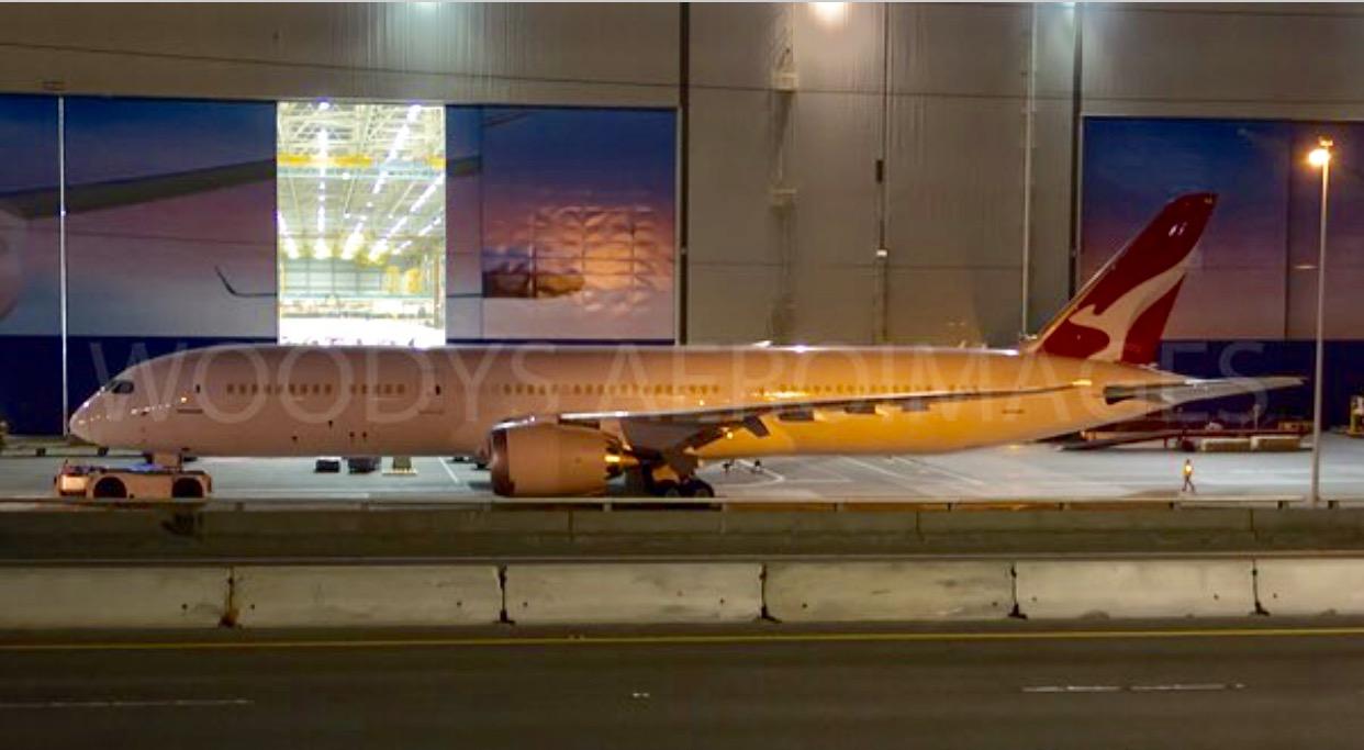 QANTAS first 787 Dreamline rolls out